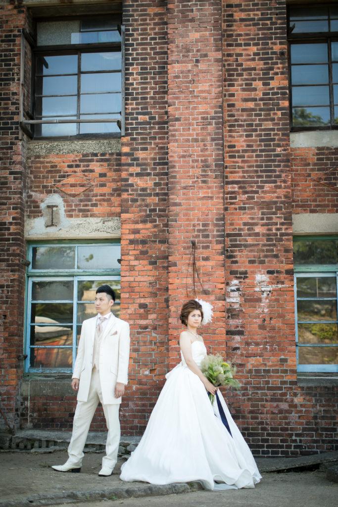 万田杭で撮影した前撮り写真 レンガ背景