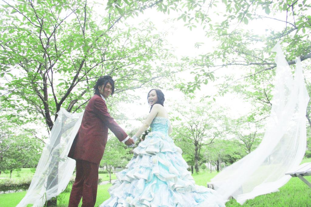 カラードレスの前撮り写真 大牟田市諏訪公園